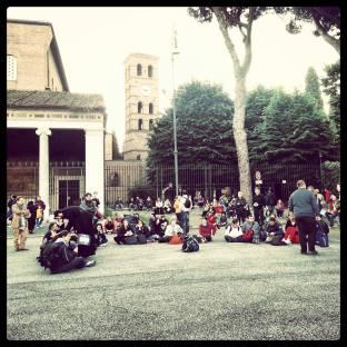 Padre Maurizio Botta e tanti pellegrini, Basilica di San Lorenzo fuori delle mura