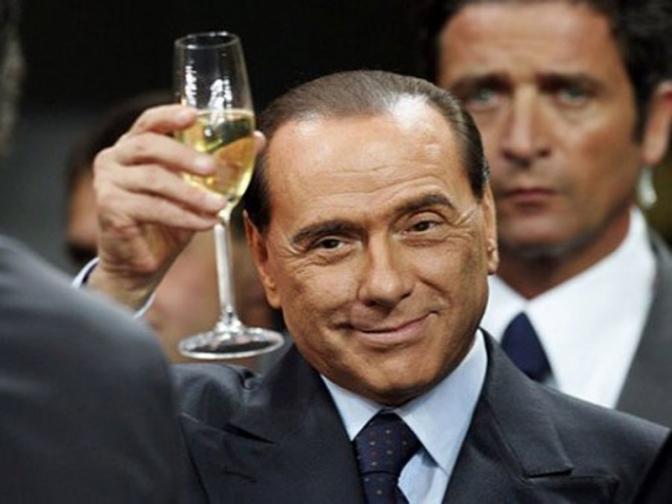 Silvio, questo matrimonio (gay) non s'ha da fare.