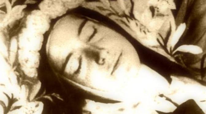 Dispensatore gratuito di buon umore: Santa Teresa di Lisieux.