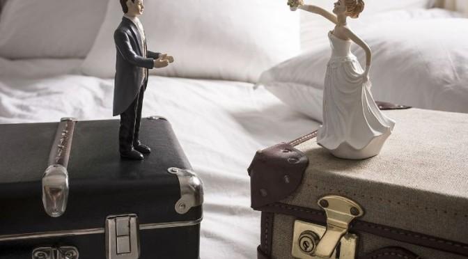 Divorzio facile, famiglia più precaria.