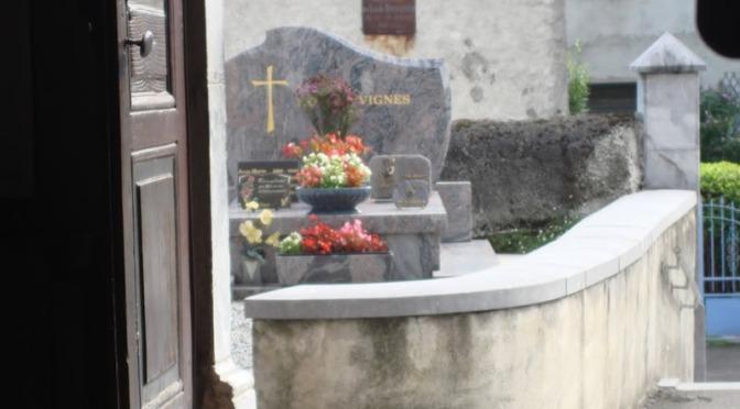 Il 21/08/1891 resterà negli annali di Lourdes per due guarigioni: quelle di Amélie Chagnon e di Clémentine Trouvé